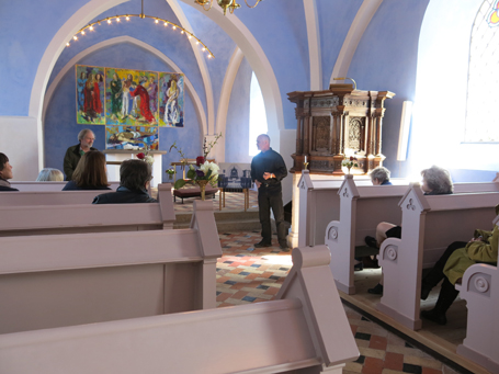 Øster Skernige Kirkes blå indre