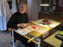 Lillian Damgaard Christiansen ved syrammen